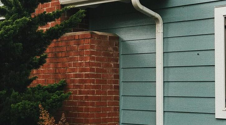 5 Reasons Why Your Gutters Need Regular Cleaning